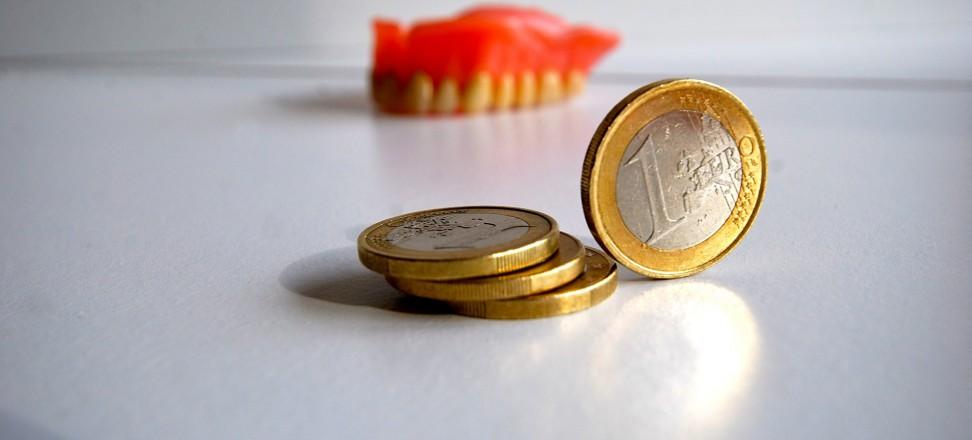 Quelle: Initiative proDente_Kosten Zahnersatz und Zahnimplantate